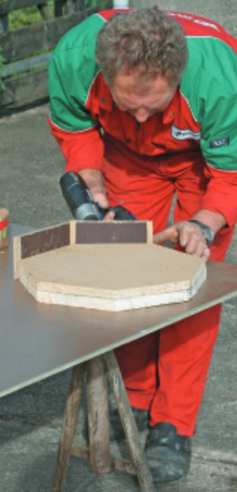 Bau der Grundplatte