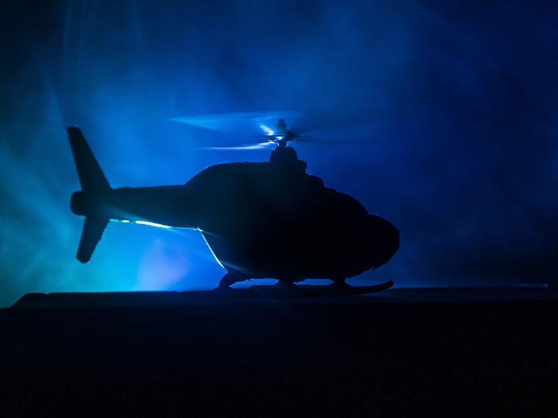 Hubschrauber bei Nacht